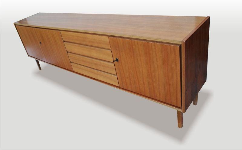 sideboard nussbaumfurnier 60er d nischer stil von mobilar interieur auf 50 60. Black Bedroom Furniture Sets. Home Design Ideas