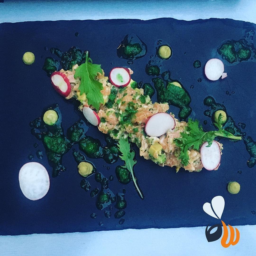 Pranzetti estivi! Tartare di salmone con granita di cetriolo!  #salmon #salmone #salmontartare #tartare #estate #summer #food #foodporn #instafood #foodofinstagram #team #agency #agencylife #work #saturday #april #picoftheday #bestoftheday #photooftheday #milan #milano #womboit