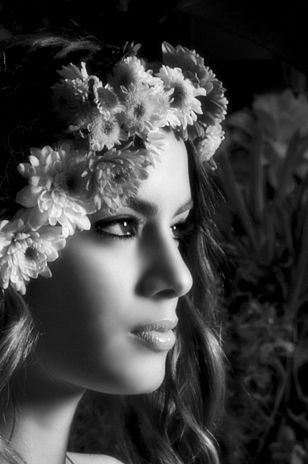 Ariadna Gutierrez  por: VIES