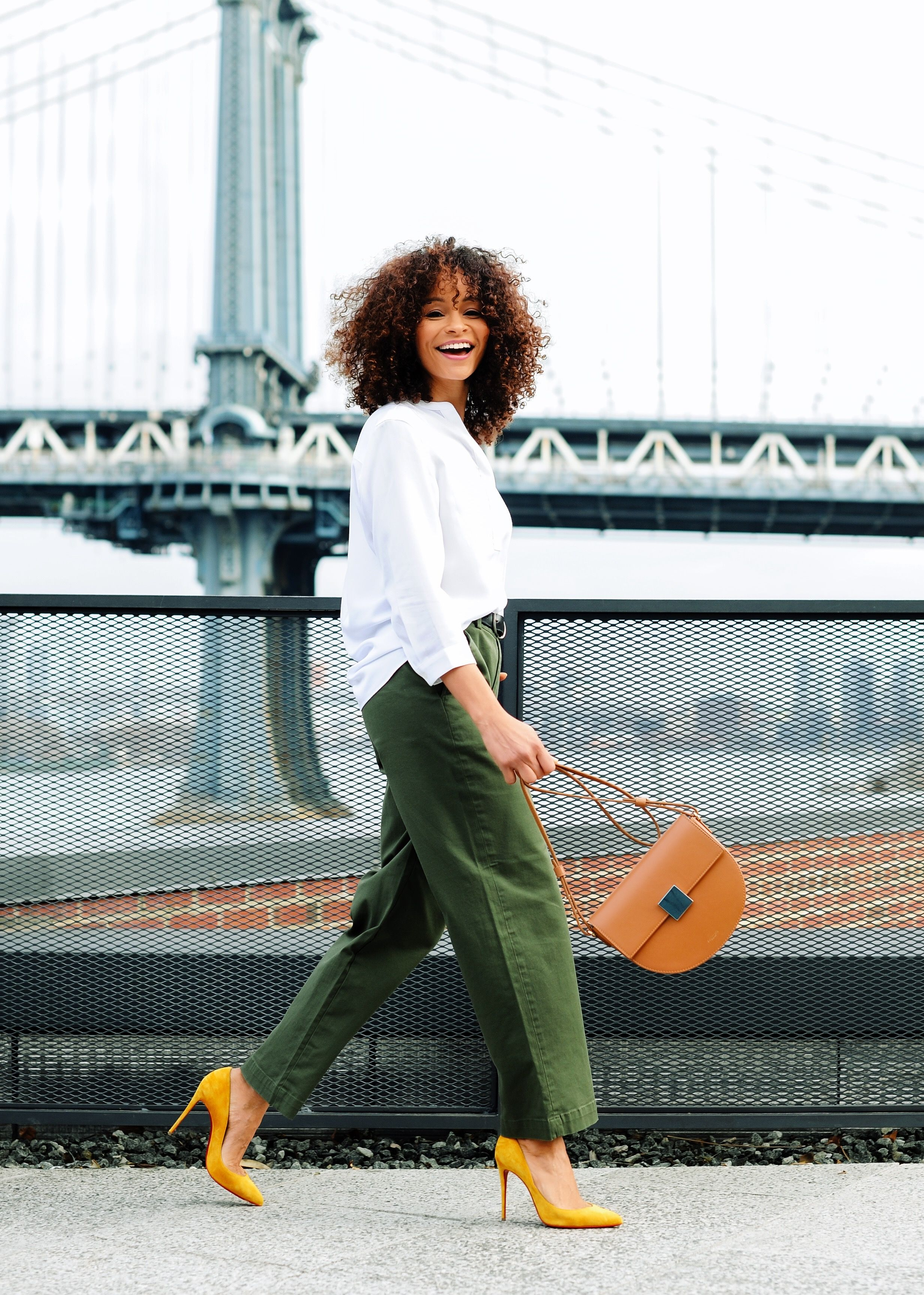 How To Look Effortlessly Chic When You're Crazy Busy at Scout The City. #fashion #chic #style