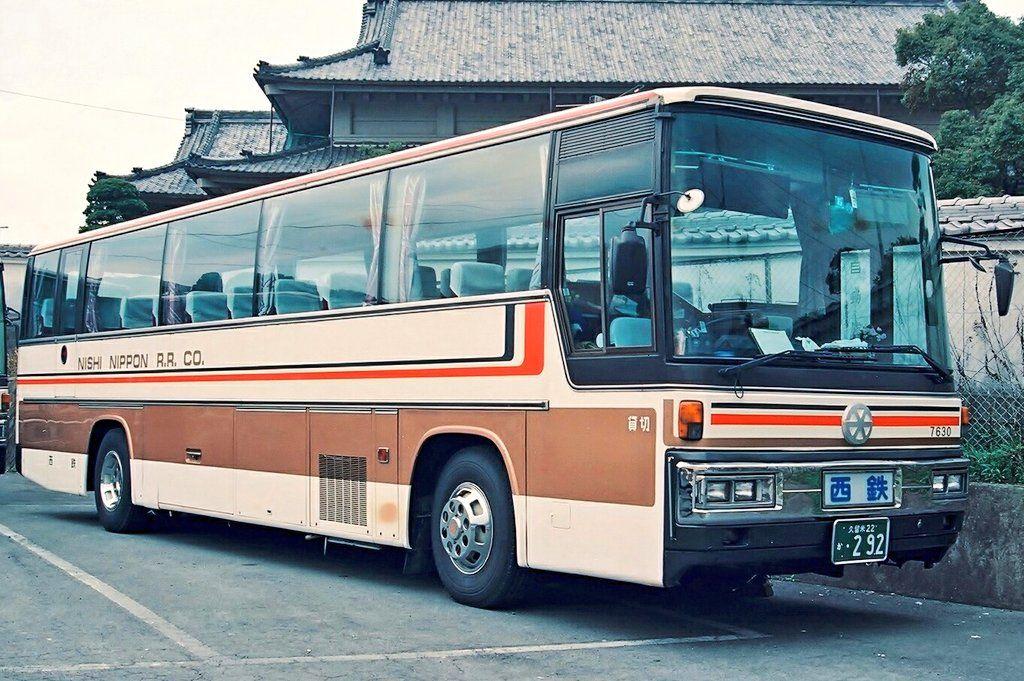 Buses おしゃれまとめの人気アイデア Pinterest Martha Rozo 観光バス レトロバス ワゴン車