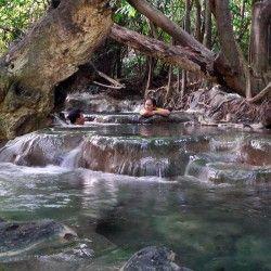 Natural jacuzzis at the Krabi Klong Thom Hot Springs, Thailand / タイ、クロン・トーム温泉 炭酸カルシウム泉 水温39℃前後