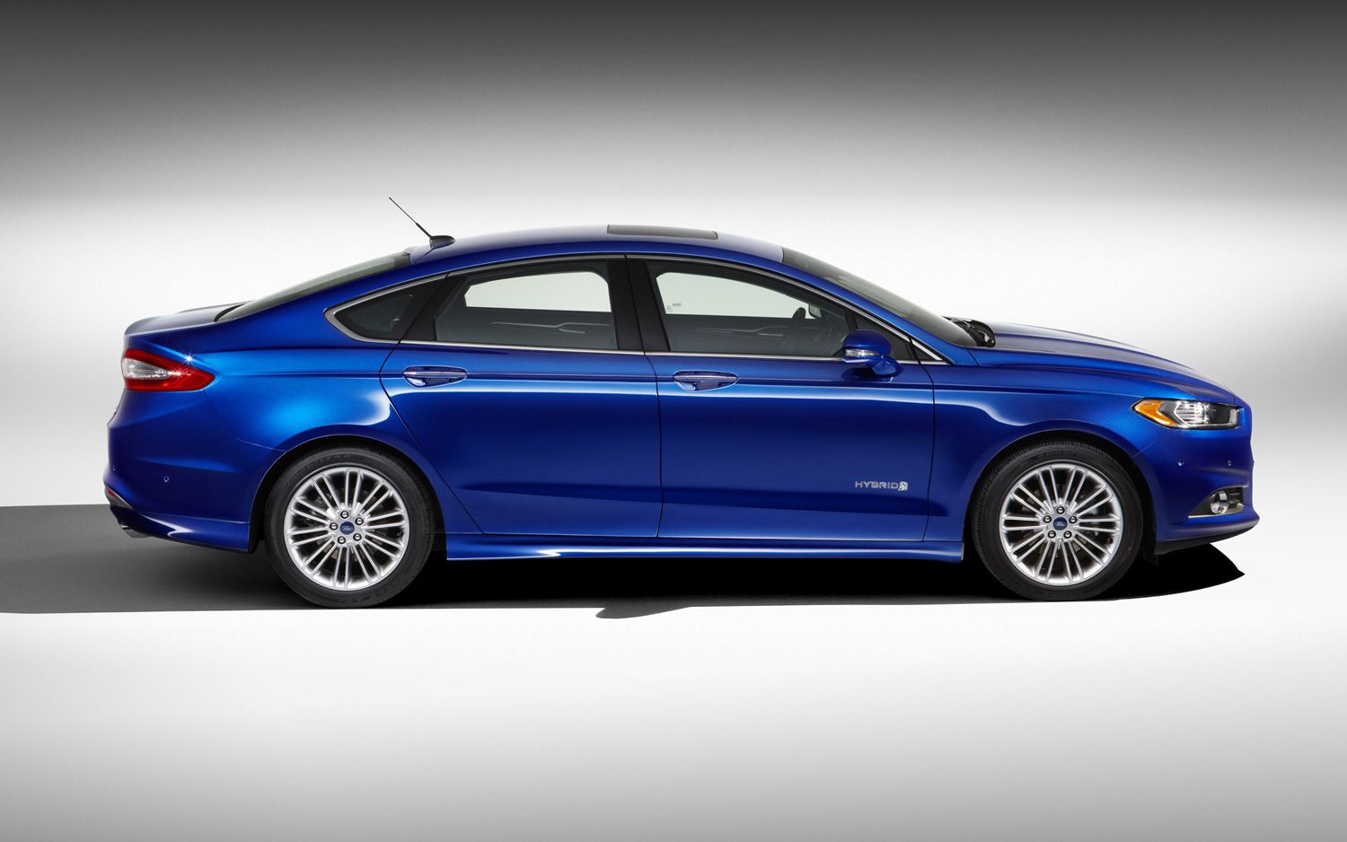 Official 2013 Ford Fusion Hybrid Returns 47 47 47 Mpg 2013 Ford