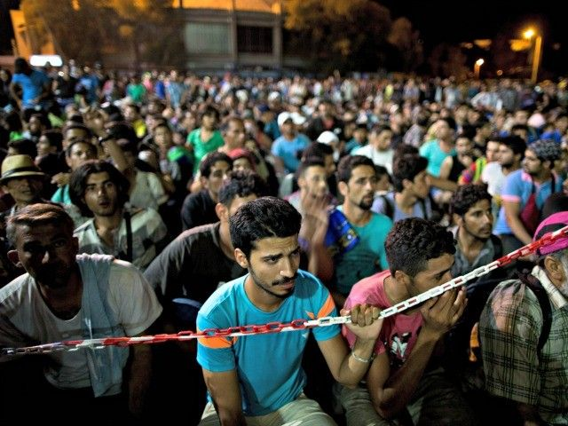 Obama Administration Brings in 12,500 Syrian Refugees This Year With Last Minute Rush - Breitbart