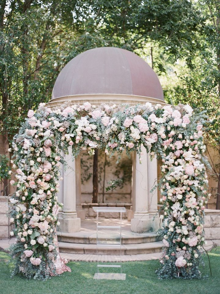 elegant outdoor garden wedding | fabmood.com #weddingceremony #wedding #weddingfloral #floral #arbor