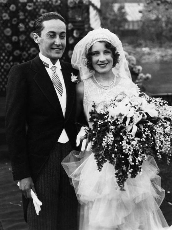 Chic Vintage Bride ; Norma Shearer. I admire the sassy determination of today's Chic Vintage Bride, as much as her style and beauty. A true icon of Hollywood, one of cinema's great feminist pioneers and one of Joan Crawford's arch nemesis (any lady who took on Joan deserves respect!)