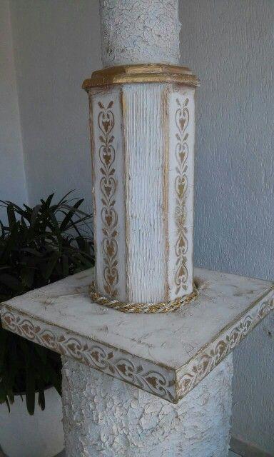 Coluna trabalhada em pátina provensal, para composição do altar de Nossa Senhora, Santuário Eucarístico do Bom Jesus Aparecido de Sous-PB