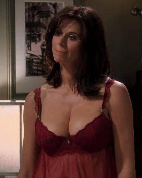 Jennifer taylors naked breasts