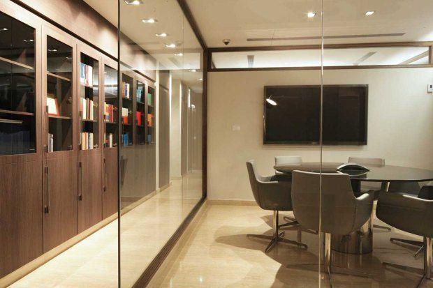 Dise o interior de oficinas de abogados buscar con for Oficinas google barcelona