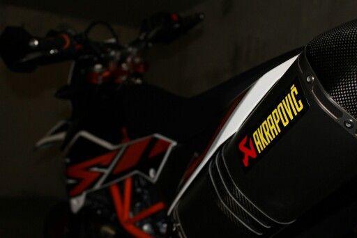 SMC-R Akrapovic Exhaust