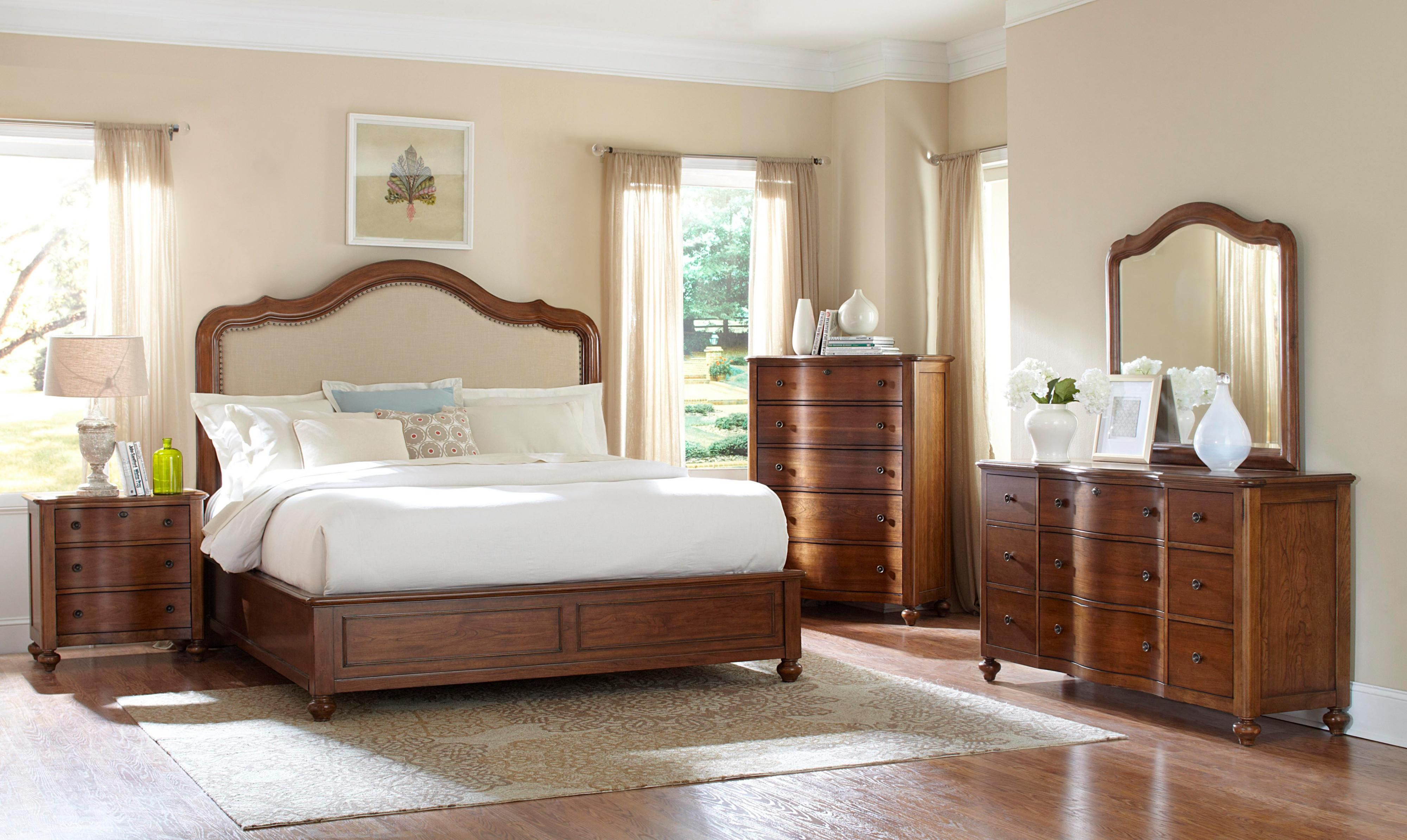 Creswell Queen Bedroom Group By Broyhill Furniture At Johnny Janosik Broyhill Furniture Upholstered Bedroom Set Furniture