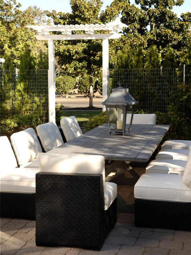 Love the comfy chairs - serve well for lengthy, relaxed dinner parties!