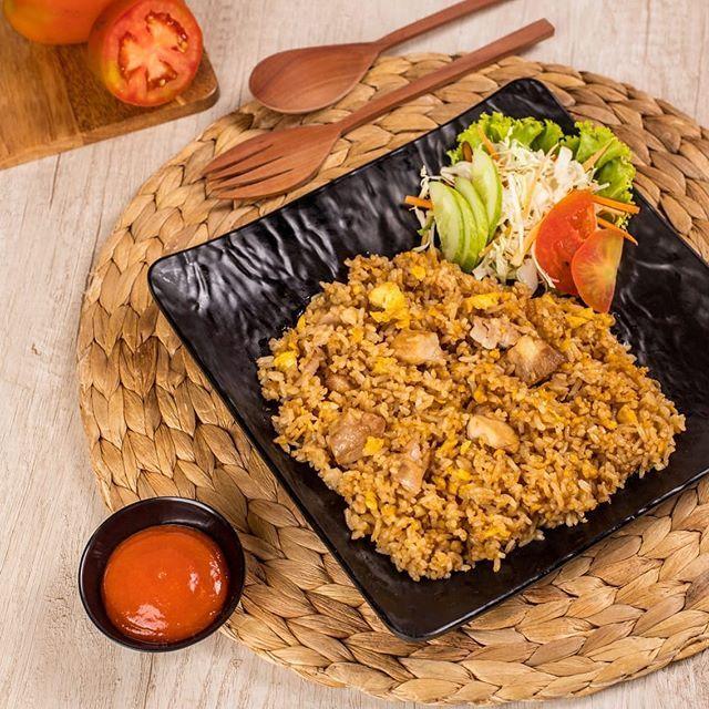 Biar tetap semangat menghadapi hari penuh perjuangan harus isi ulang energi sama Garlic Butter Rice  Biar tetap semangat menghadapi hari penuh perjuangan harus isi ulang energi sama Garlic Butter Rice khas AI Sushi ini! Yuk ajak temen-temen kamu untuk ngumpul di AI Sushi. . . . #AiSushi #sushi #delicious#jktfoodbang #superenak#makananjepang #sushienak#enakbanget #jktculinary #anakjajan#eatandtreats #sushihalal#jakartafoodstory #jakartaculinary#nasikepal #nasigulung#kulinerjakartatimur #sashimi