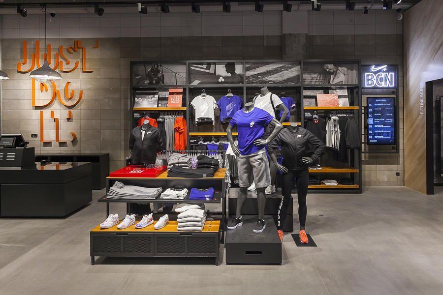 Nike VDD La Maquinista Confetti Reclame in 2020 Retail