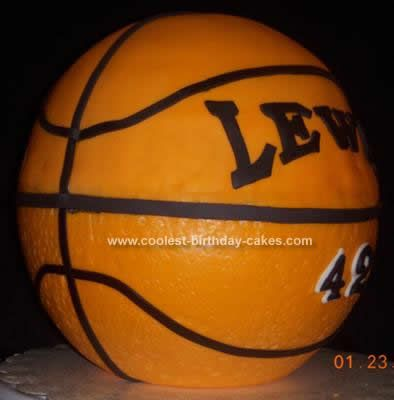 Coolest Basketball Cake Idea Cake board Round cakes and Frosting