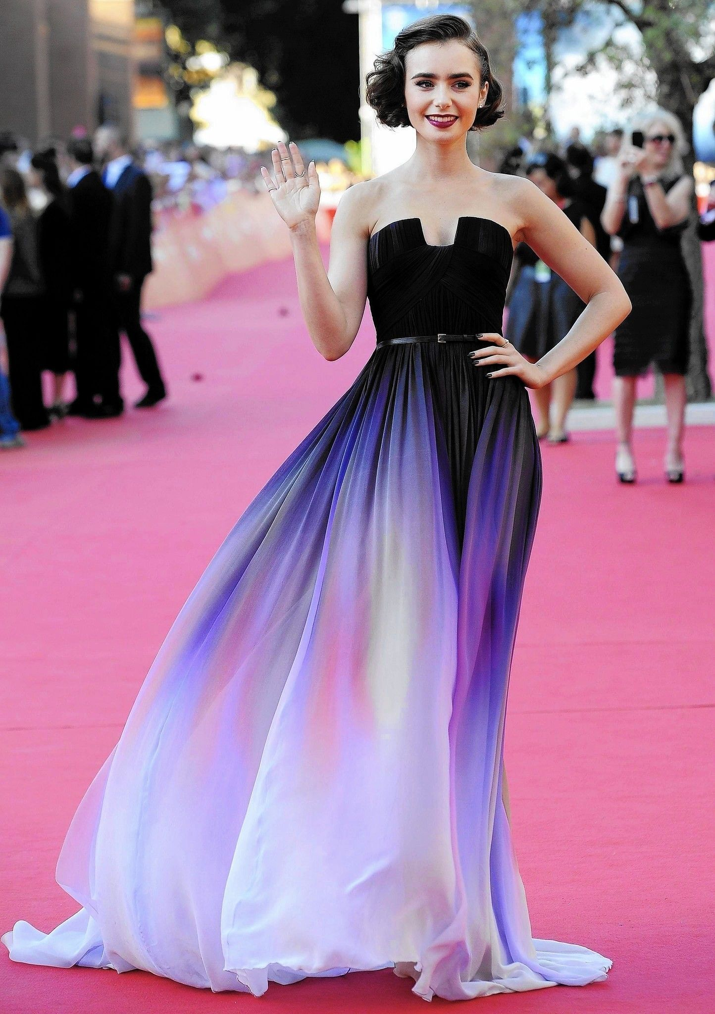 Ellie Saab | vestidos de mucho colores | Pinterest | Ellie saab ...