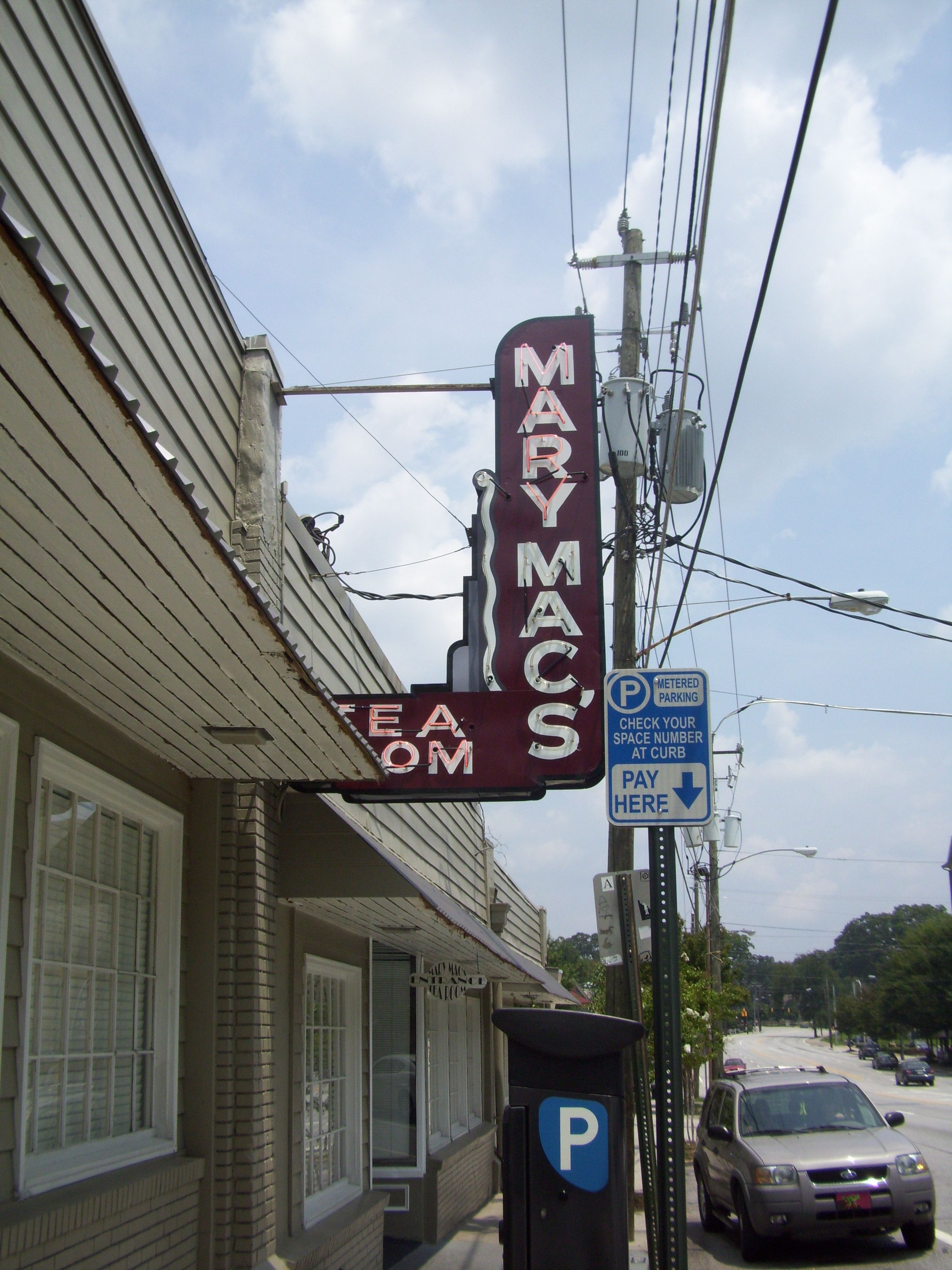 Mary Mac S Tearoom In Atlanta Georgia The Food Is As Good As The History Is Interesting Walls Are Packed With P Best Places To Eat Cool Restaurant Tea Room