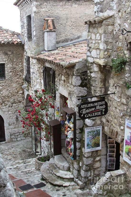 Provence France Le Plus Beau Des Villages A Mes Yeux Cote D Azur Paysage France Beau Paysage
