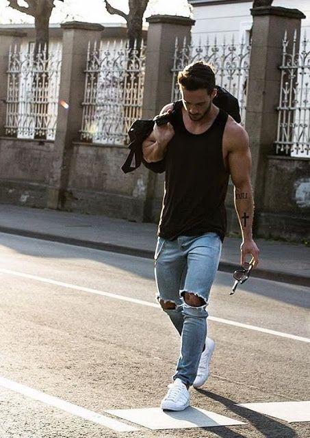 Macho Moda - Blog de Moda Masculina  Calça Jeans Masculina  3 modelos que  estão em alta pro Verão 2017 d74f18c5c60