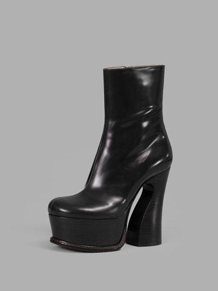 Fashionable Maison Margiela Boots for Women - Black Plateau Boots Online