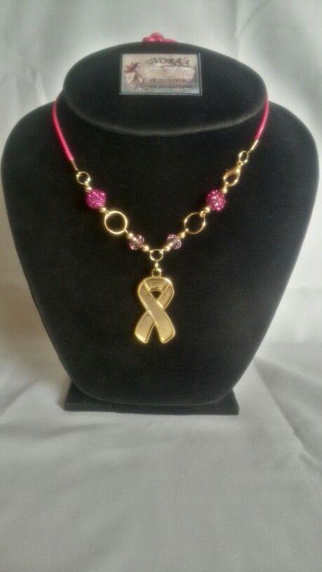 e91749b1fd44 Collar elaborado con materiales de buena cálidad en honor a las mujeres  luchadoras de Fundaseno en Venezuela