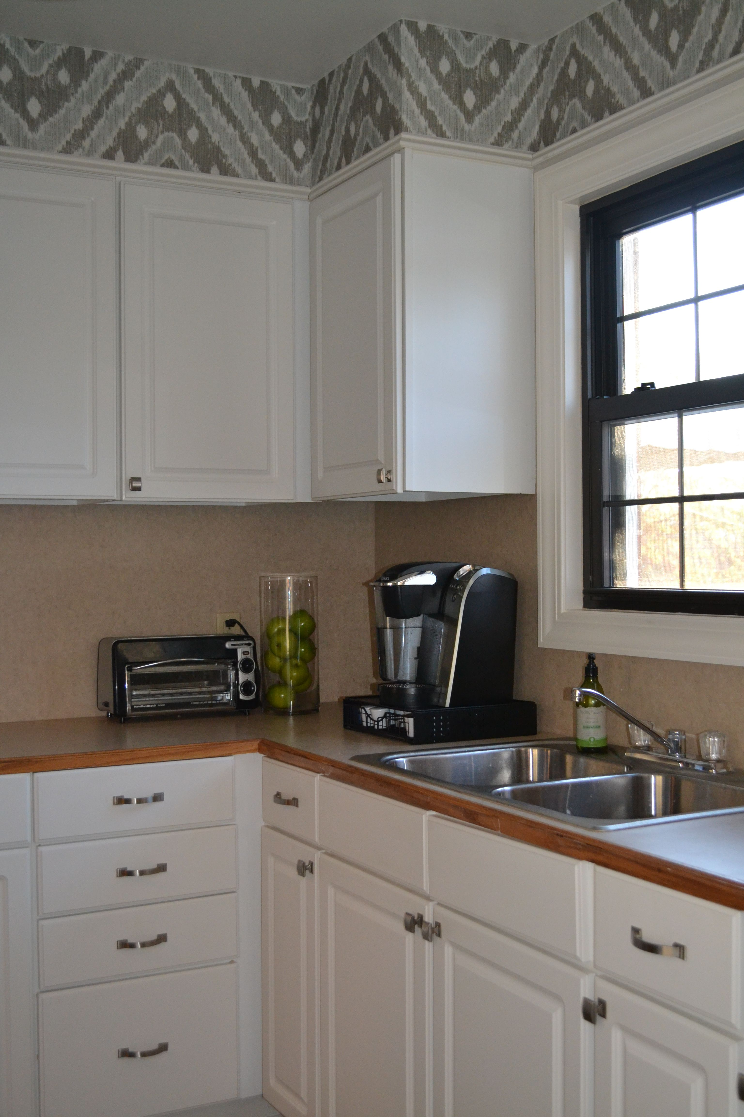 Update your kitchen with a wallpaper soffit And its removable