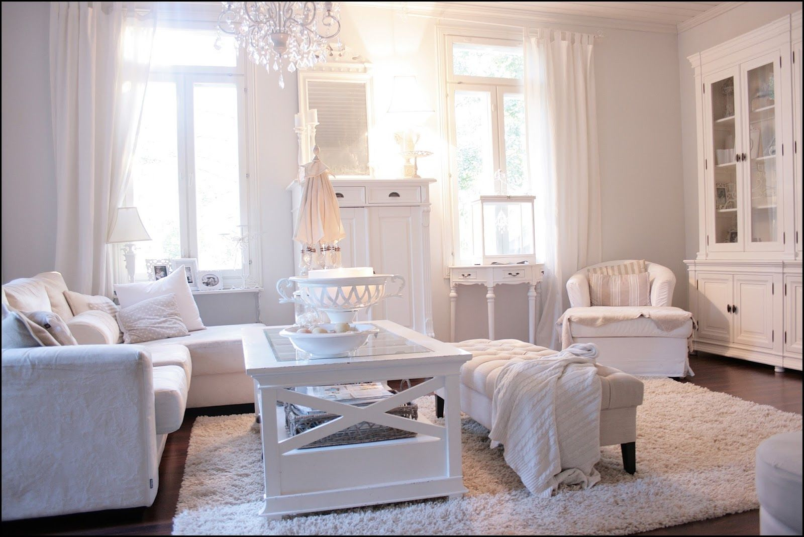 Charm: living room