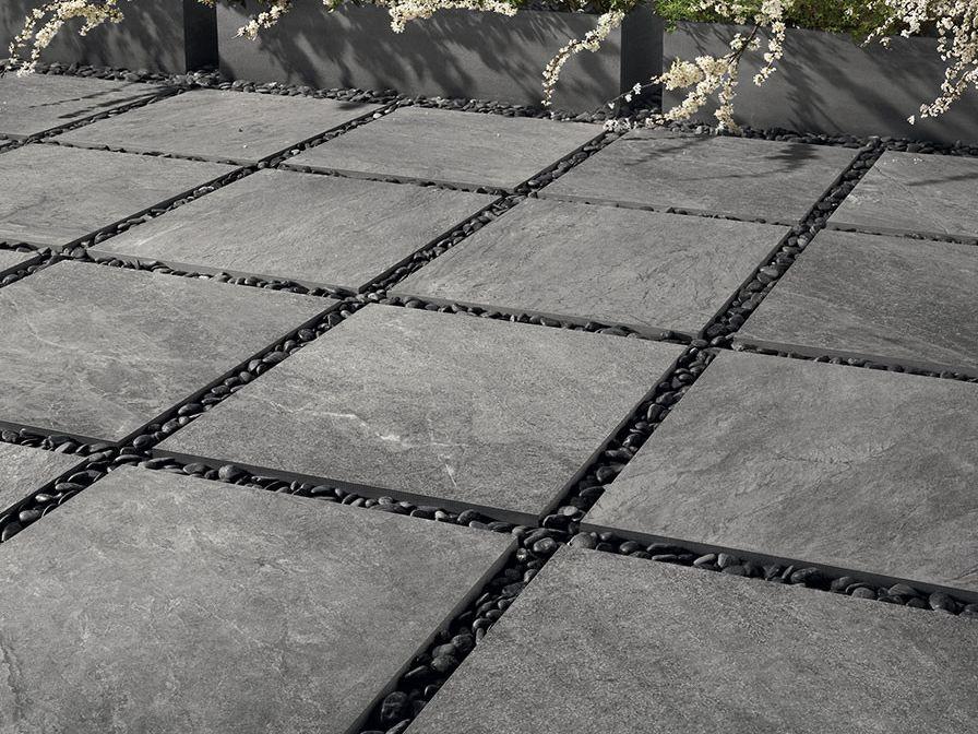 Pavimento per esterni in gres porcellanato a tutta massa effetto