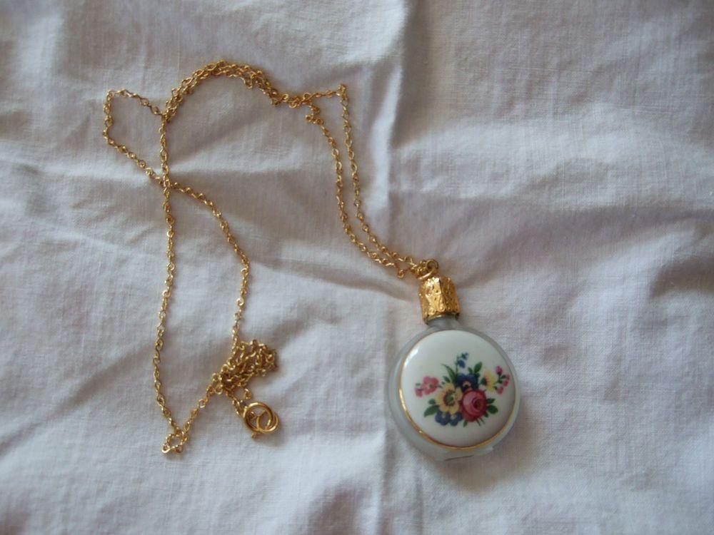 Beautiful Vintage Austrian Austria Floral Glass Perfume Necklace Pendant Unused