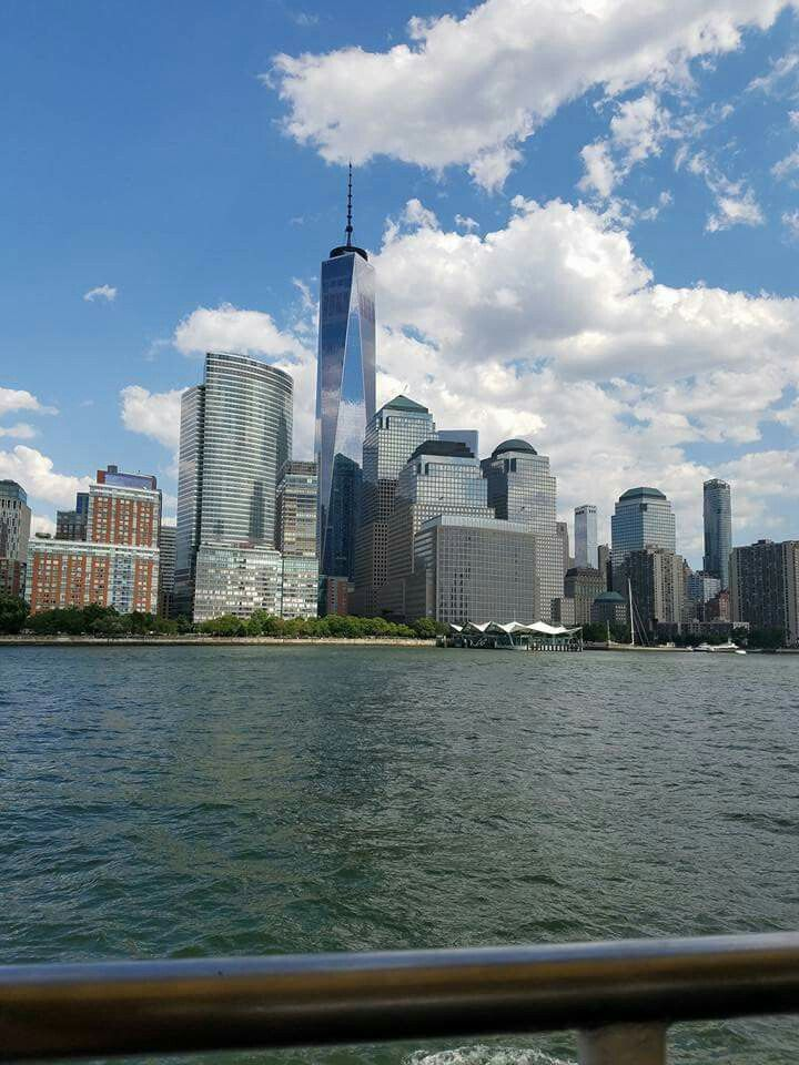 New York Skyline denise.hart@cruiseplanners.com www.cruiseplannersworldtour.com/pages/contact Photo Credit: Denise Hart