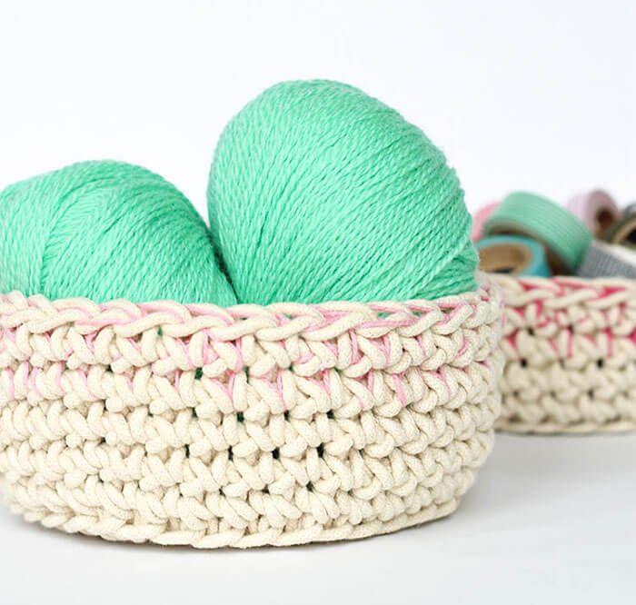 Color Block Crochet Baskets - Free Pattern   crochet   Pinterest