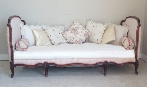 Beautiful Old French Upholstered Corbeille Daybed Circa 1920s