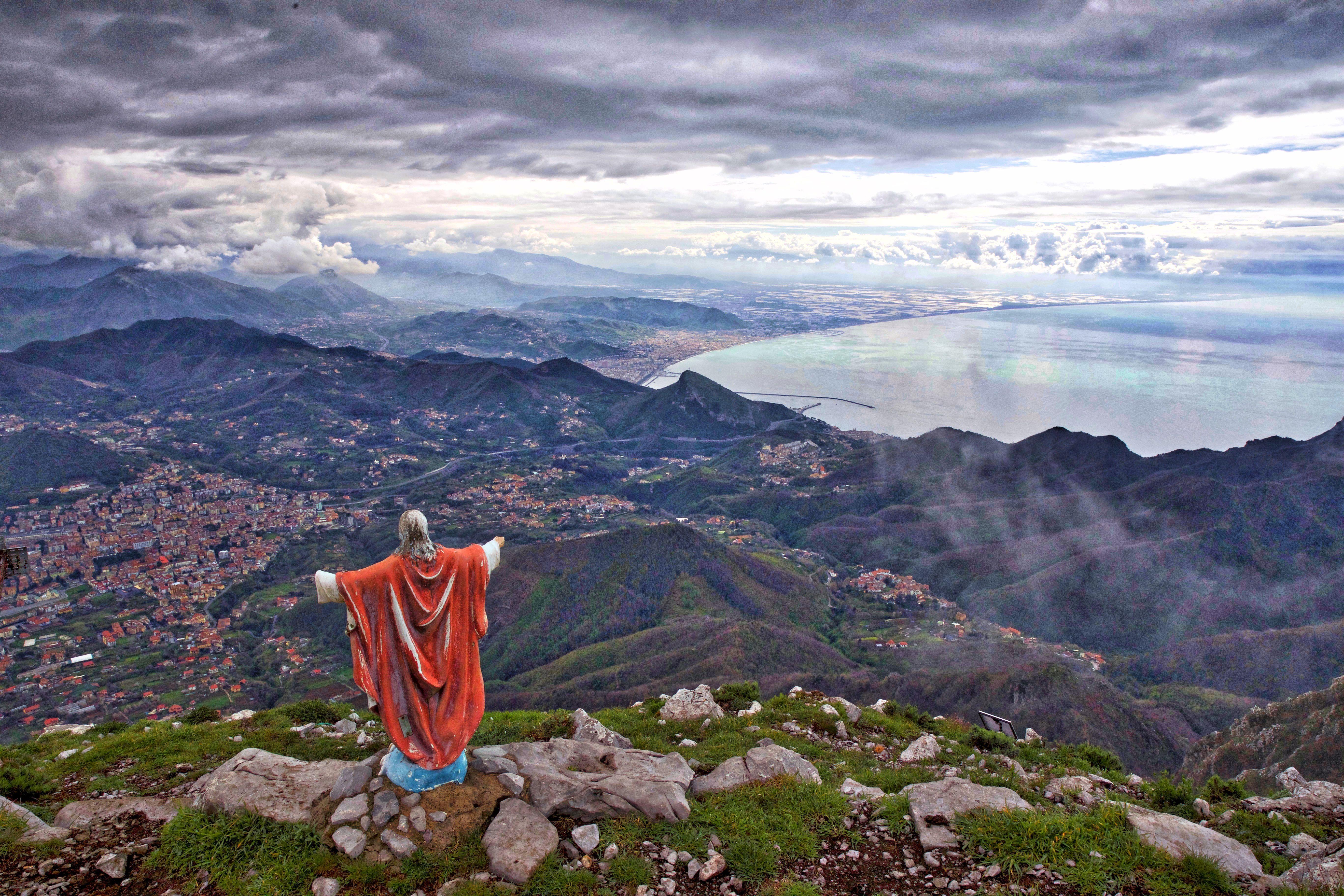 Fotografo Cava Dei Tirreni views of cava de' tirreni, picentini mountains, and salerno
