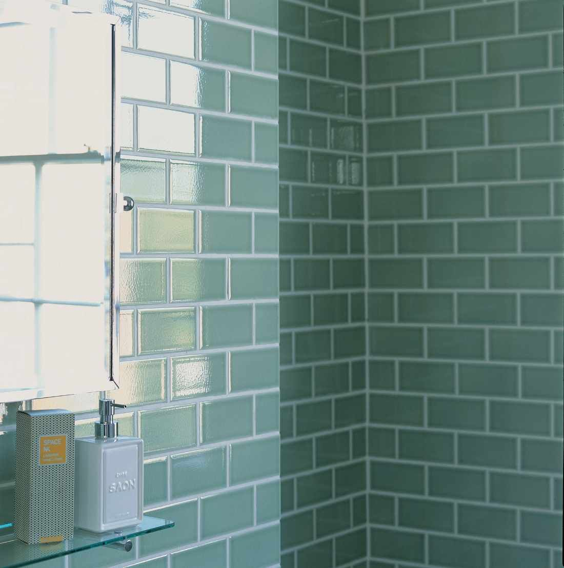 Bathroom wall tile ideas for Tile for small bathroom