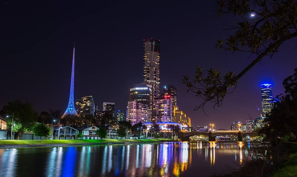 Night shot along the Yarra River & Southbank - Melbourne, Victoria || Daniel Johnson Photography