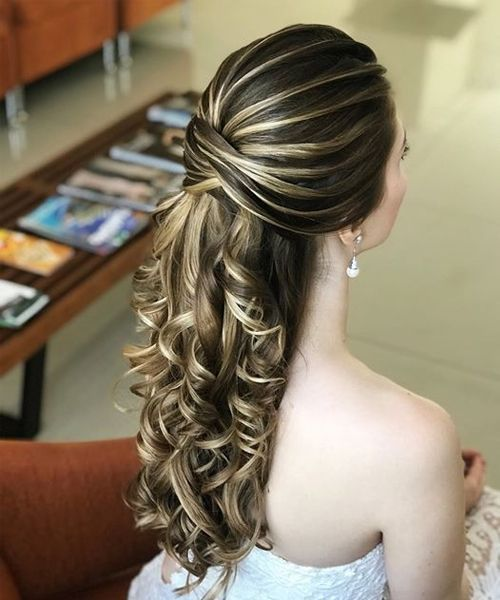 15+ Unbelievable Long Curly Wedding Hairstyles To Look