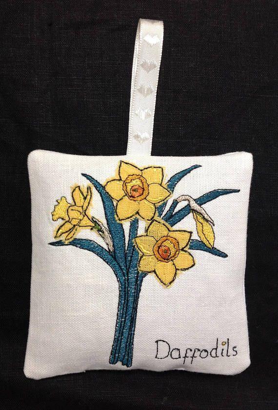 Raw Edge Applique Design Daffodils Lavender Bag