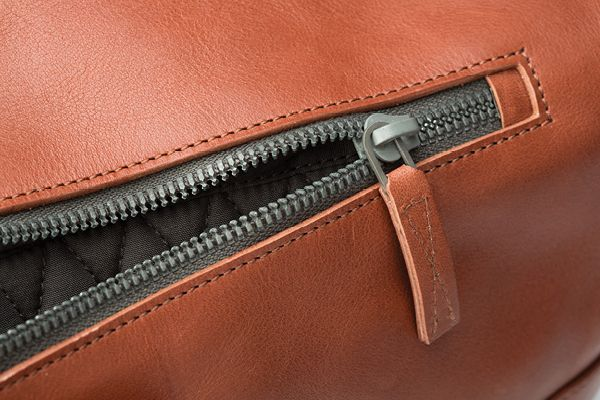Octovo Leather Duffle bag for Ammunition. Swiss zipper. Titanium hardware. Italian leather.