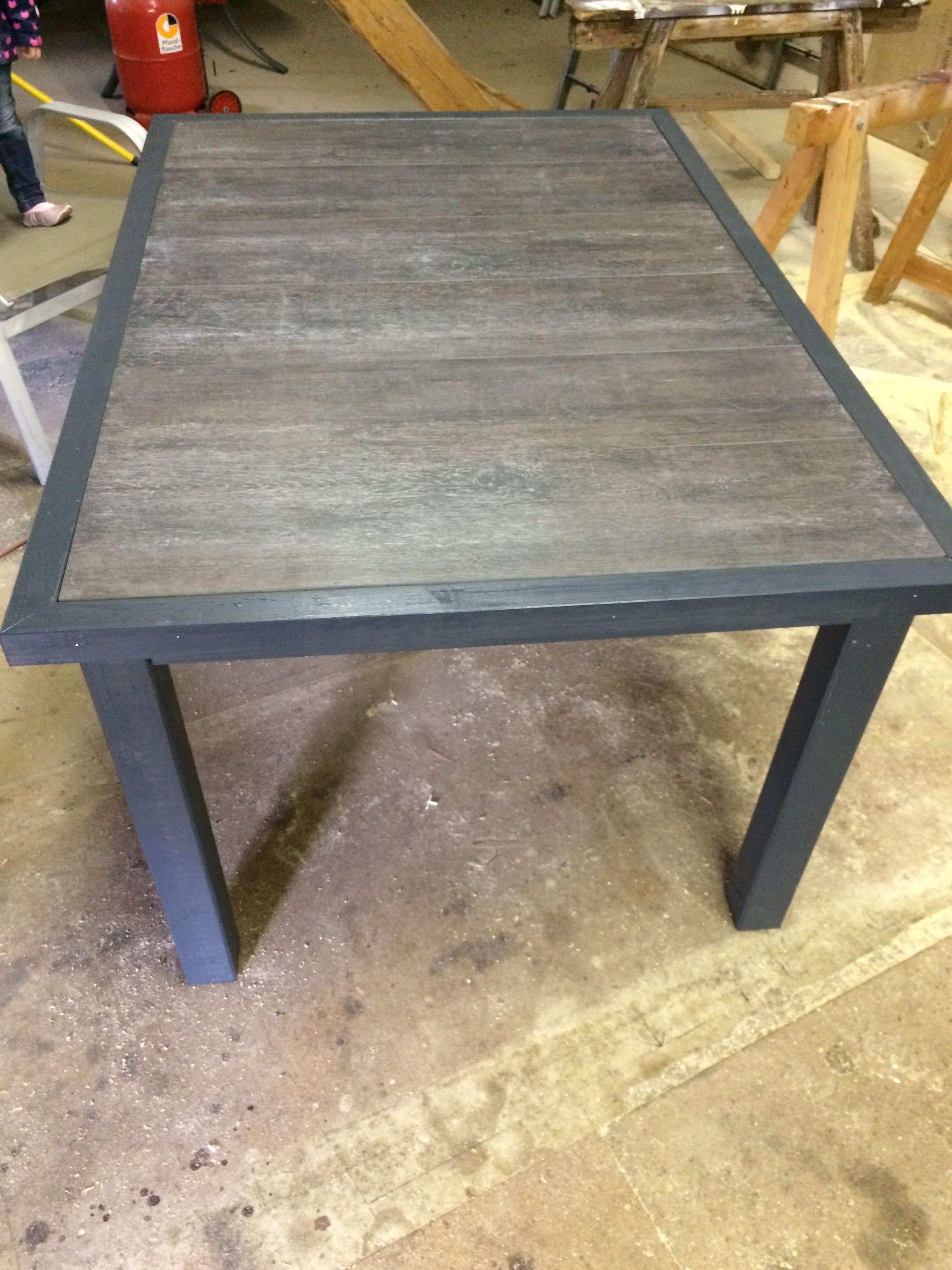 Gartentisch Aus Holz Mit Fliesen Als Tischplatte Pb Projekte