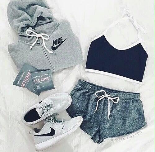 Nada como esta opción para salir a ejercitarte. #Cómodo #Nike. Nike Workout OutfitsNike  Baby ...