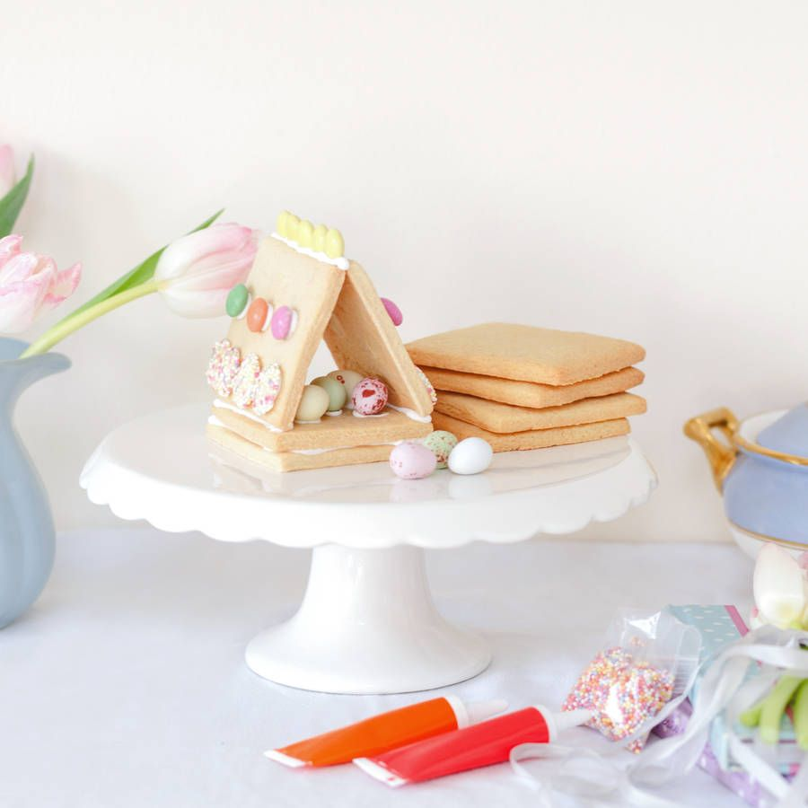 Childrens easter biscuit decorating kit a delightful set of easter are you interested in our childrens easter baking gift set with our easter biscuit decorating kit you need look no further negle Images
