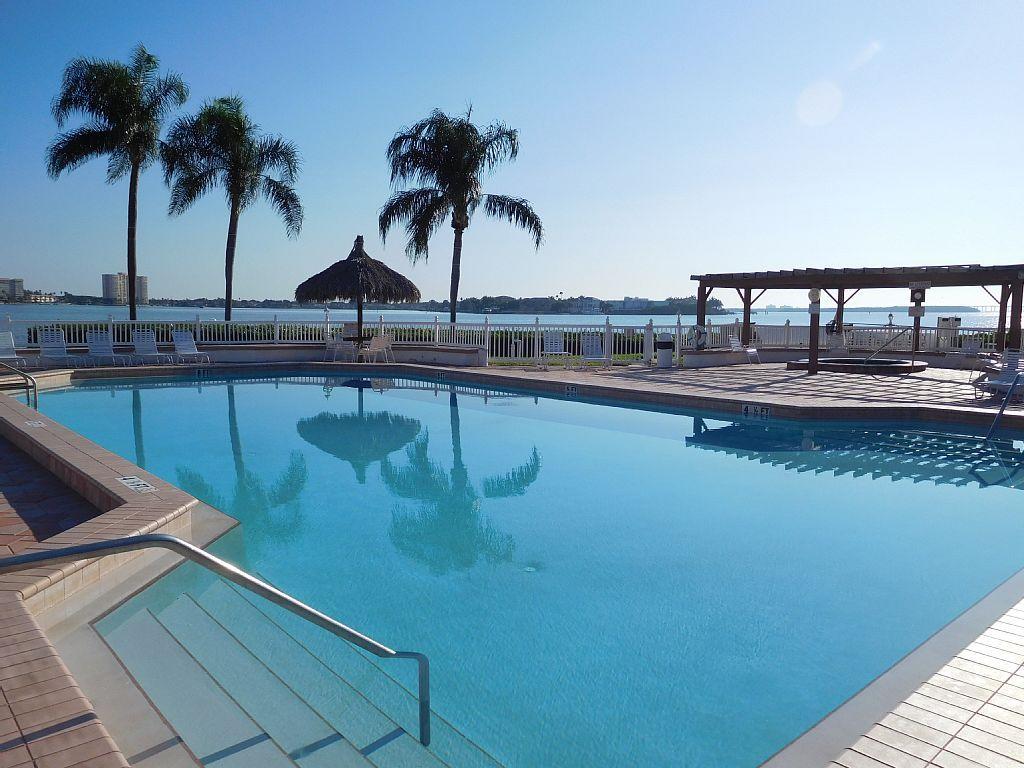 Condo vacation rental in isla del sol saint petersburg