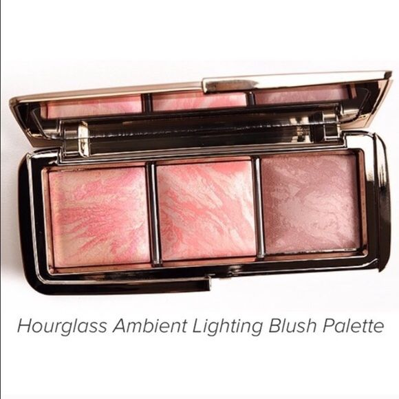 Hourglass AMBIENT LIGHTING BLUSH TRIO Used once for swatches. Limited Edition & Sold out! Hourglass AMBIENT LIGHTING BLUSH TRIO MAC Cosmetics Makeup Blush