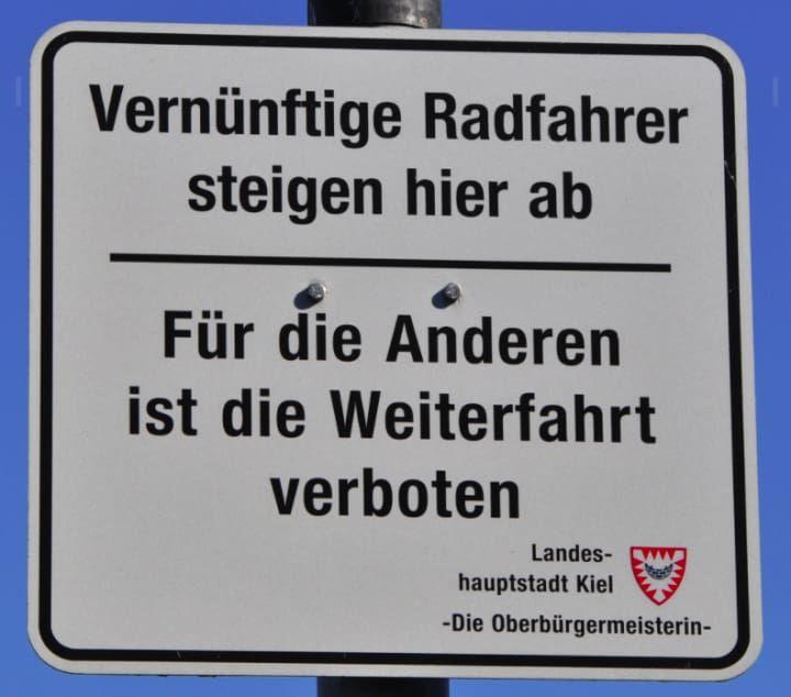 Die 100 lustigsten Schilder Deutschlands, weil man