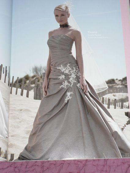 Robe de mari mod le tivano de chez point mariage couleur - Couleur ivoire et taupe ...