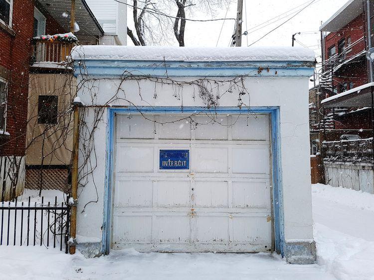 The Right Way To Quiet A Noisy Garage Door Garage Doors Quiet Garage Door Opener Commercial Garage Door Opener