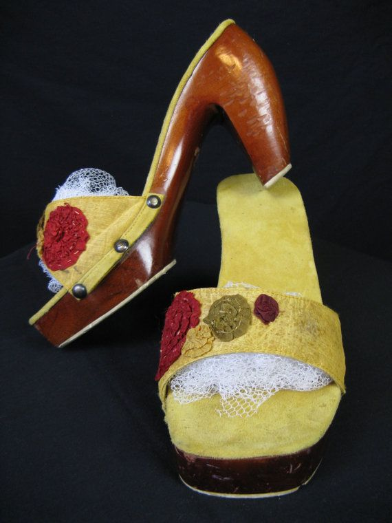 vintage 1940's curve wood heel platform mules with golden silk and flower band. 7 medium.