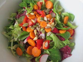 Mittags schaffte es dann ein knackiger Salat auf Jessis Teller.