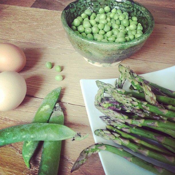 Tarte aux asperges vertes et aux petits pois frais http://on.fb.me/13kemx8