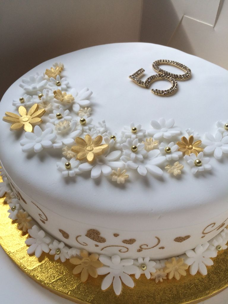 Golden Wedding Anniversary Cake. 50 Years Of Marriage Celebration Fruit Cake .